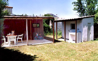 bungalow charente. Black Bedroom Furniture Sets. Home Design Ideas